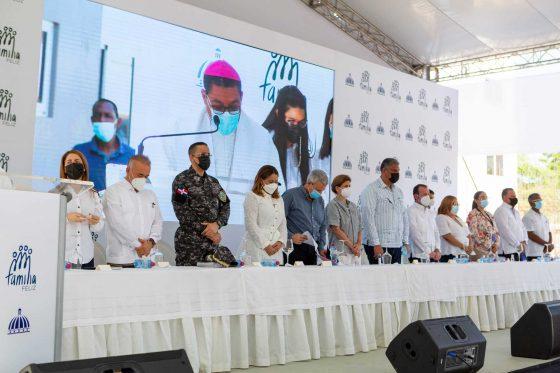 Entregan primeros departamentos del Plan Nacional de Vivienda Familia Feliz en la provincia de Azua